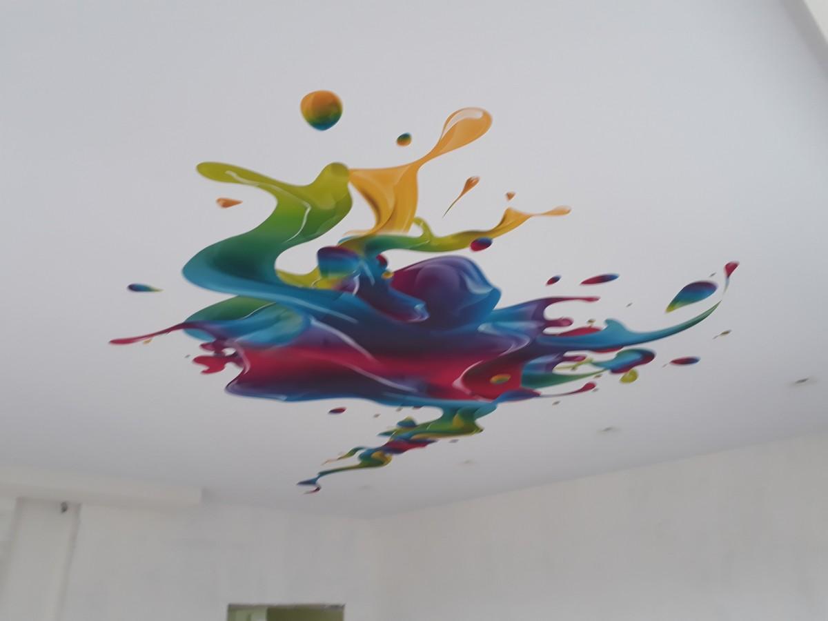 картинки абстракций на потолках выглядит шикарно