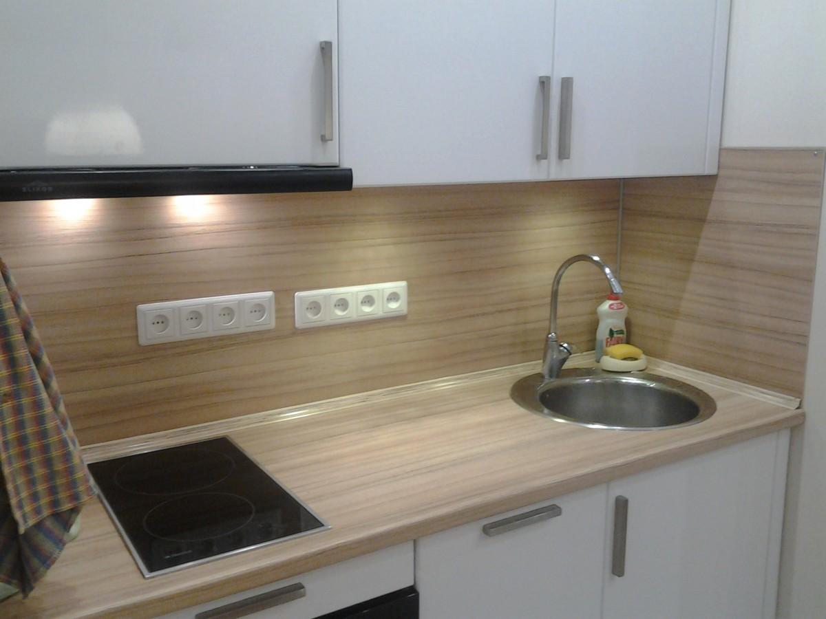 Фото кухонь с двухкомфорочной плитой