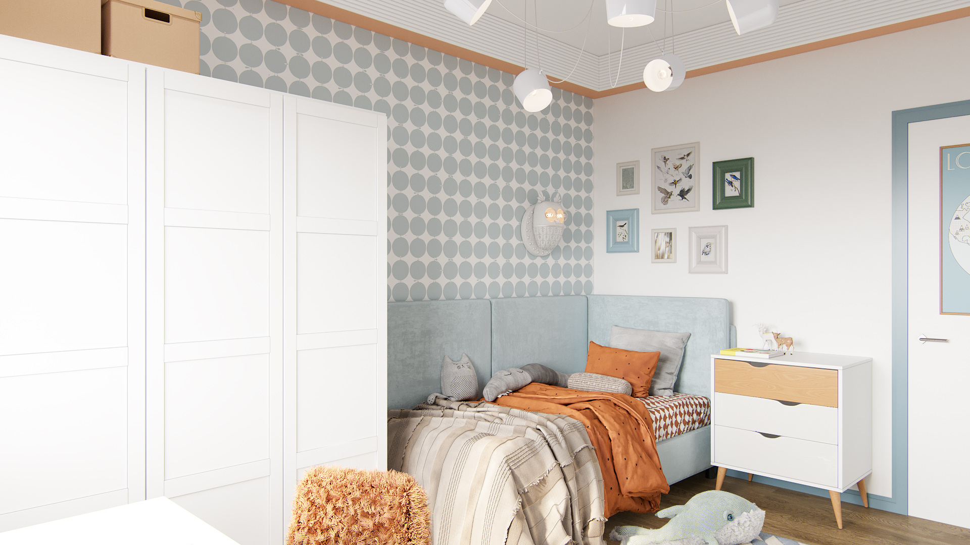 фото:Детская кровать расположена в углу детской комнаты и оформлена так, чтобы вдоль стен была мягкая обивка. Цвет ткани подобран в цвет оригинальных Шведских обоев Borastapeter